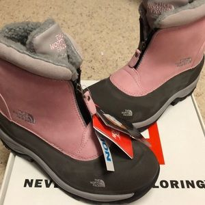 Pink north face snow boots women's size 7.5